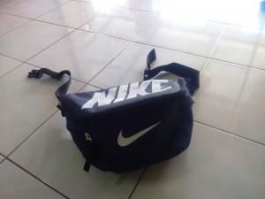 tas-waistbag-nike-biru-dongker-1-300x225 Tas Waistbag Nike Biru Dongker
