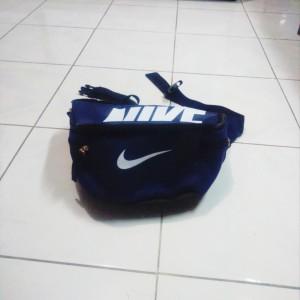 tas-waistbag-nike-biru-dongker5-300x300 Tas Waistbag Nike Biru Dongker