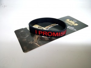 gelang-i-promise-hitam-merah-300x225 Gelang I Promise Hitam Merah
