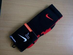 kaos-kaki-nike-elite-hitam-merah-6-300x225 Kaos Kaki Nike Elite Hitam Merah