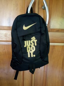 tas-ransel-nike-just-do-it-black-gold-1-225x300 Tas Ransel Nike Just Do It Black Gold