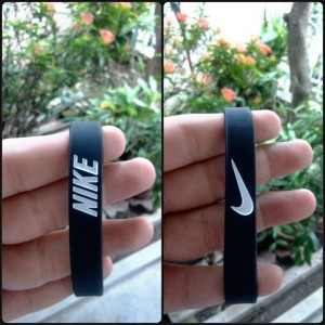 gelang-nike-hitam-putih-1-300x300 Gelang Nike Hitam Putih