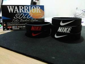 gelang-nike-hitam-putih-3-300x225 Gelang Nike Hitam Putih