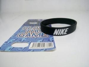 gelang-nike-hitam-putih-5-300x225 Gelang Nike Hitam Putih