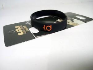 gelang-kevin-durant-hitam-6-300x225 Gelang Kevin Durant Hitam