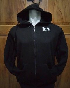 Jaket Under Armour Hitam