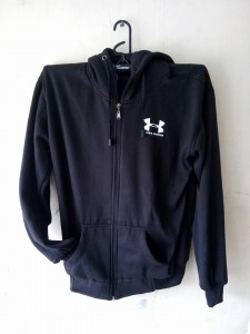 jaket-under-armour-hitam-4-225x300 Jaket Under Armour Hitam