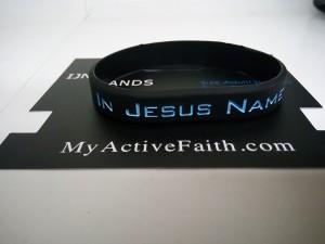 gelang-jesus-name-i-play-hitam-biru-300x225 Gelang Jesus Name I Play Hitam Biru