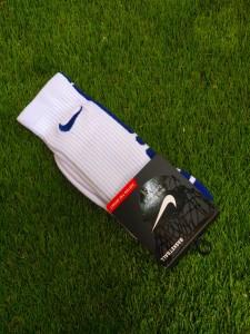 Kaos-Kaki-Nike-Elite-Putih-Biru-2-225x300 Kaos Kaki Nike Elite Putih Biru